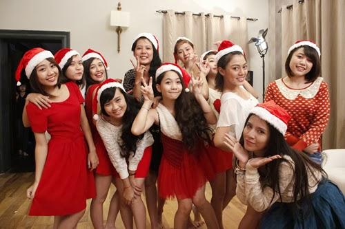 Giáng sinh rực rỡ của 12 thí sinh Miss Teen
