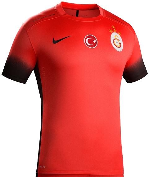 0bd372ac7a Nike lança as novas camisas do Galatasaray. O Galatasaray divulgou seus  novos uniformes que serão usado na temporada 2015 16 do Campeonato Turco de  futebol.
