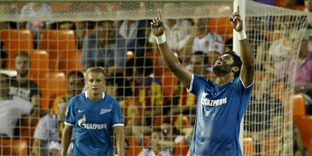 Com dois gols, Hulk foi o destaque da vitória do Zenit sobre o Valencia, fora de casa ( foto: Jose Jordan/AFP)