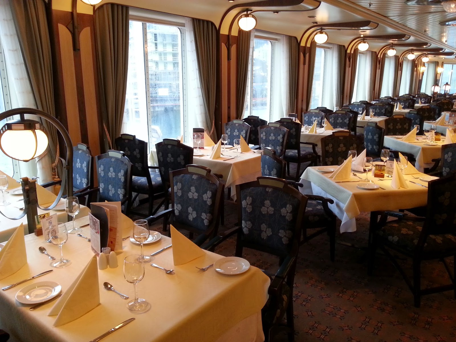 Hurtigruten MS Finnmarken - Finnmarken Restaurant