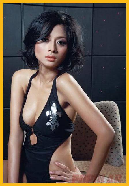 Foto Model Sexy Majalah Popular, Angie Nathanael - Ada Yang Asik