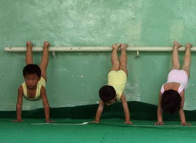 Foto Penyiksaan Balita Calon Juara Olimpiade Dari China