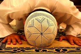خاتمة عجيبة لرجل لم يمضي على إسلامه إلا ثلاثة أيام !!!!
