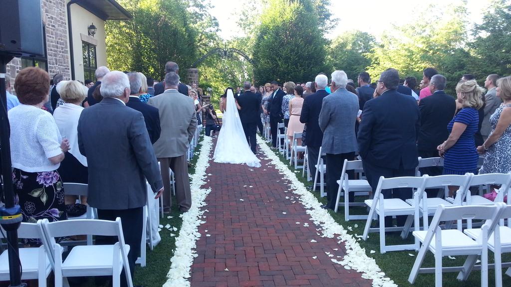 http://jtmichaels.com/weddings/