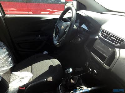 Chevrolet Onix LT 1.4 - interior - painel
