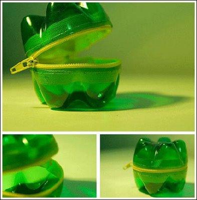 Monederos con material reciclado como tetrabricks o botellas