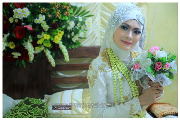 Foto Wedding SIMPUH & YULIAN - 22 Juli 2015   Tata Rias, Busana & Dekorasi oleh : Utami Irawan Rias Pengantin Purwokerto   Foto oleh Klikmg Fotografer Purwokerto