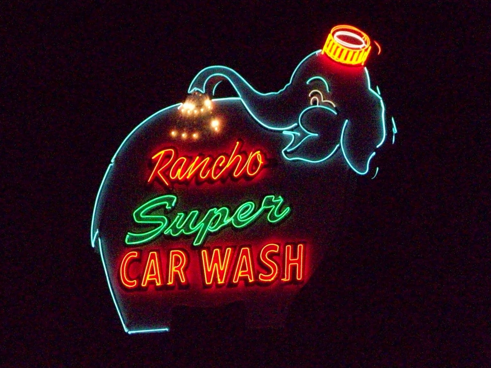 wacky tacky Rancho Super Car Wash
