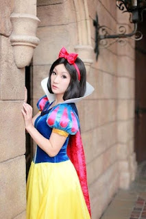 Disney Snow White Cosplay by Koyuki 2