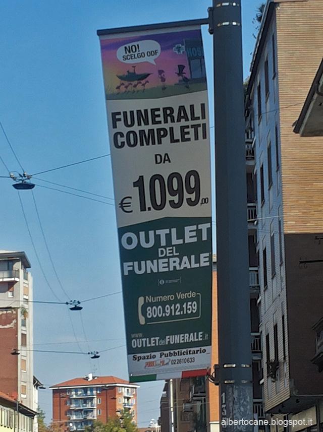 L\'outlet del funerale, ovvero pubblicità indecente