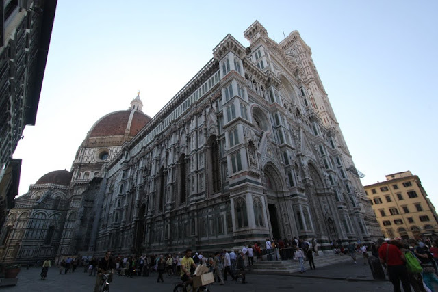 A huge of crowds at the Duomo di Firenze, the Florence Cathedral in Florence, Italy