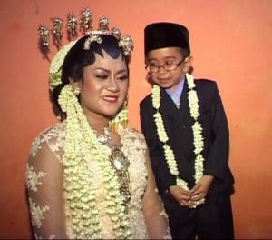 daus mini dan istrinya