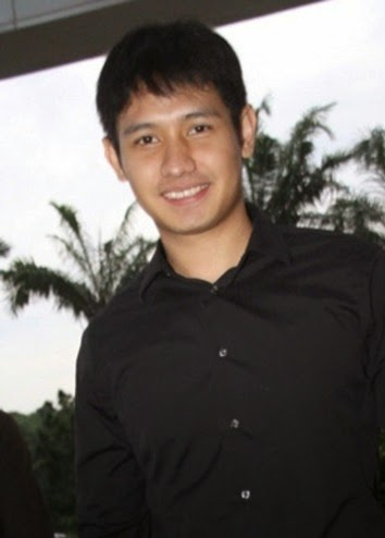 http://foto-biodata.blogspot.com/