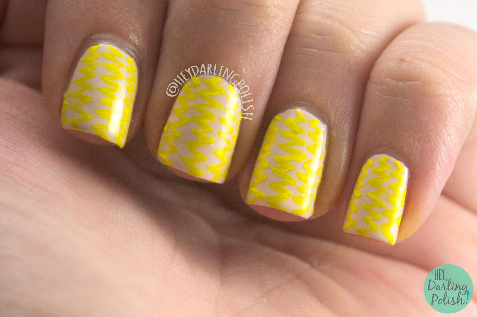 nails, nail art, nail polish, yellow, zig zags, pattern, hey darling polish, 31dc2014, 31 day challenge