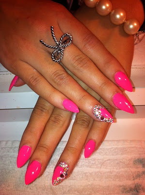 francesdiaries blog trends stiletto nails