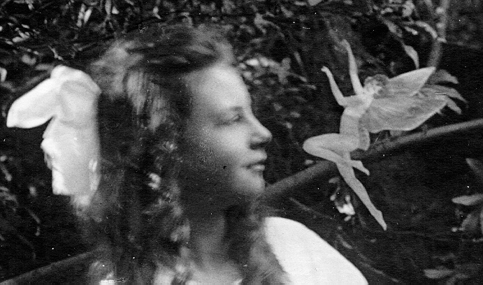cottingley fairies Cottingley connect - non-commercial cottingley site for anyone visiting, researching, or just interested in cottingley village including cottingley fairies, history, buildings, cottingley people with many cottingley photos.