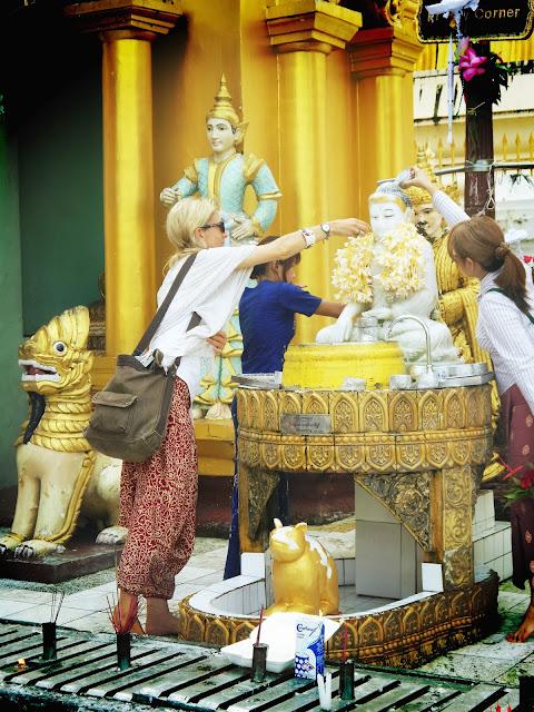 Avventure nel Mondo - Dolce Burma - Shwendagon pagoda -  Yangoon