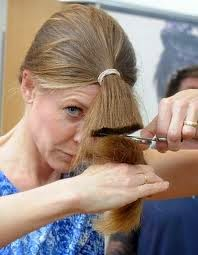 Cara Potong Rambut Sendiri di Rumah Tanpa ke Salon  2894b35ee0