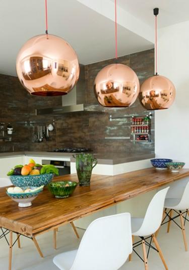 mesa de madeira, decoração rústica, aproveitamento de espaços