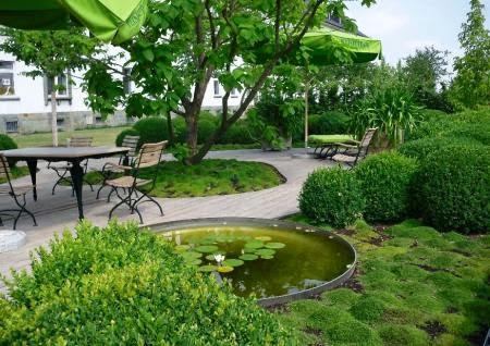 Como construir un hermoso jardin decorado con feng shui jard n feng shui - Jardin feng shui ...