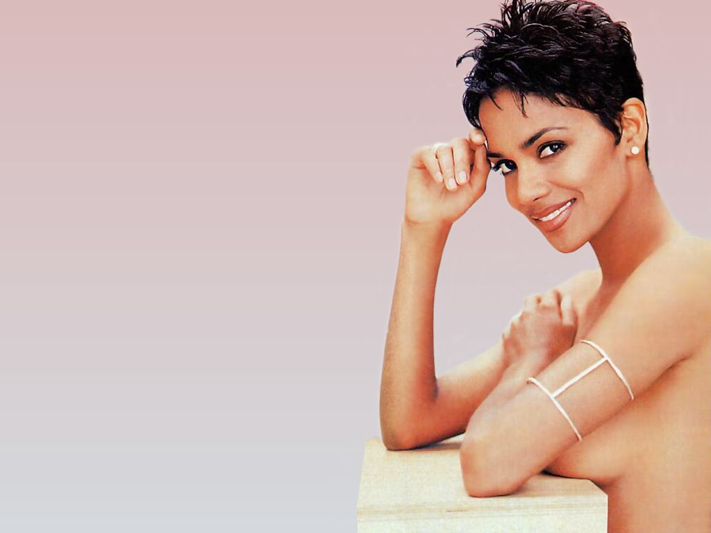 halle berry hot pictures photo gallery wallpapers hot. Black Bedroom Furniture Sets. Home Design Ideas