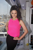 Rey Heroine Saiyami Kher Photos in Pink Top-thumbnail-4