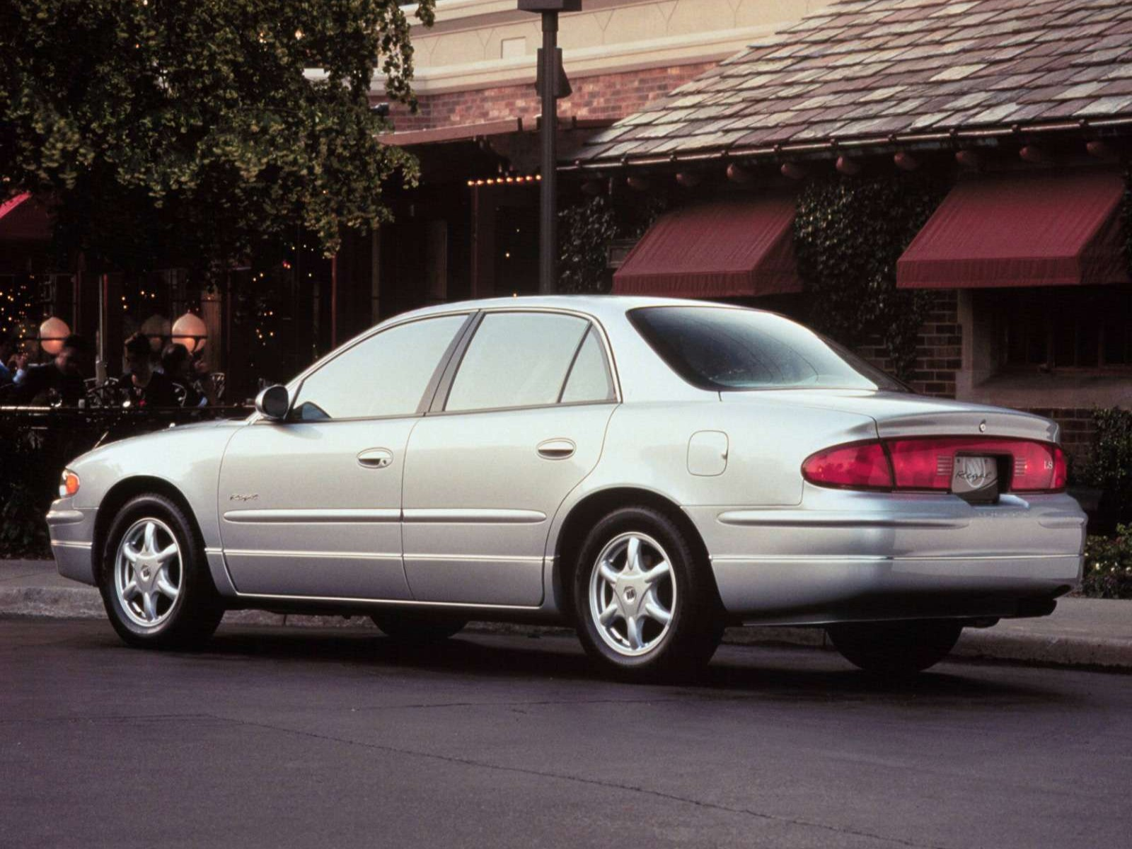 Buick Regal on 2003 Buick Lacrosse Cxs