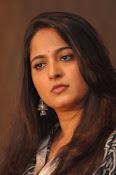 Anushka latest glamorous photos-thumbnail-28