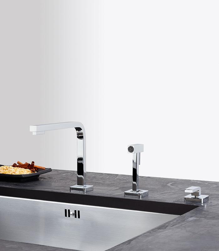 quantum three grifo retrable con ducha extrable slo para fregaderos bajo encimera o a ras requiere tres orificios de cm de dimetro
