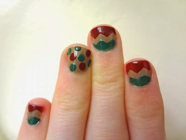 aka Bailey, holiday nail art, chevron, polka dot, red, green