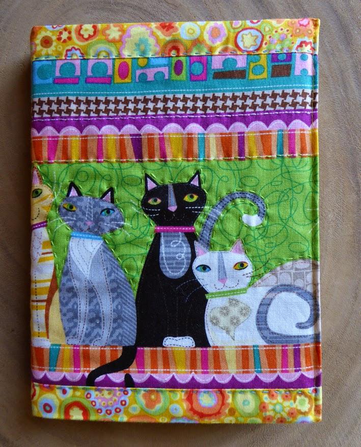Dagbog med skønne katte i patchworkstof