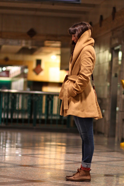 Corey Kingston Camel Wrap coat Takk Travels seattle street style fashion it's my darlin'