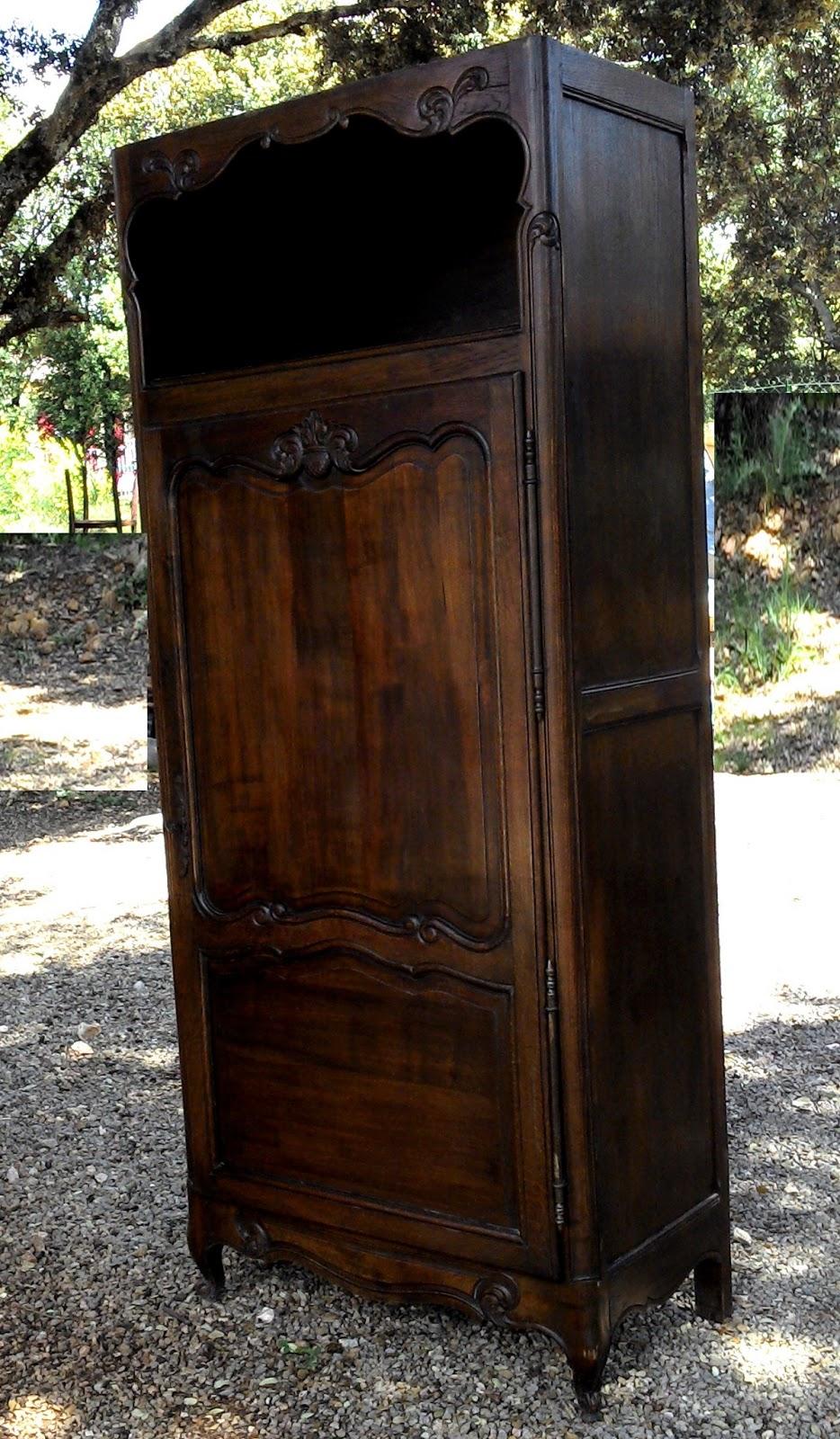 ancien meuble armoire bonneti re pieds coquille a niche homme debout chambre ch ne antique. Black Bedroom Furniture Sets. Home Design Ideas