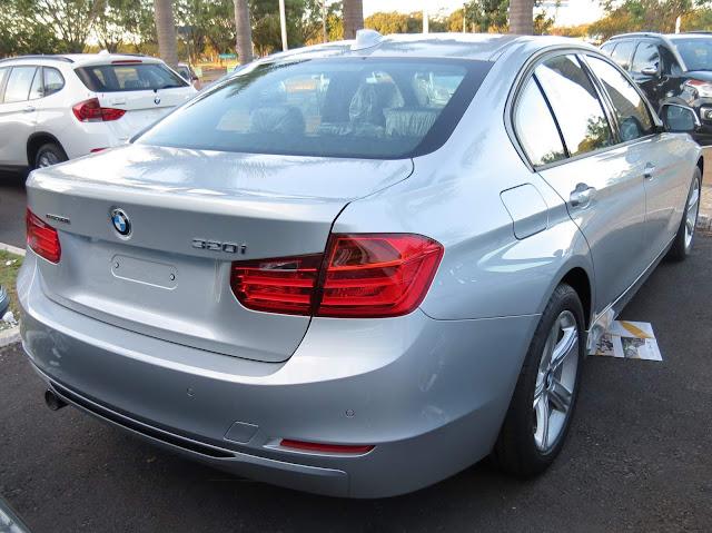 BMW 320i Flex 2015 Sport - Prata