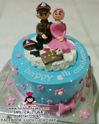 Kue Tart Romantis Anniversary Tema Polisi