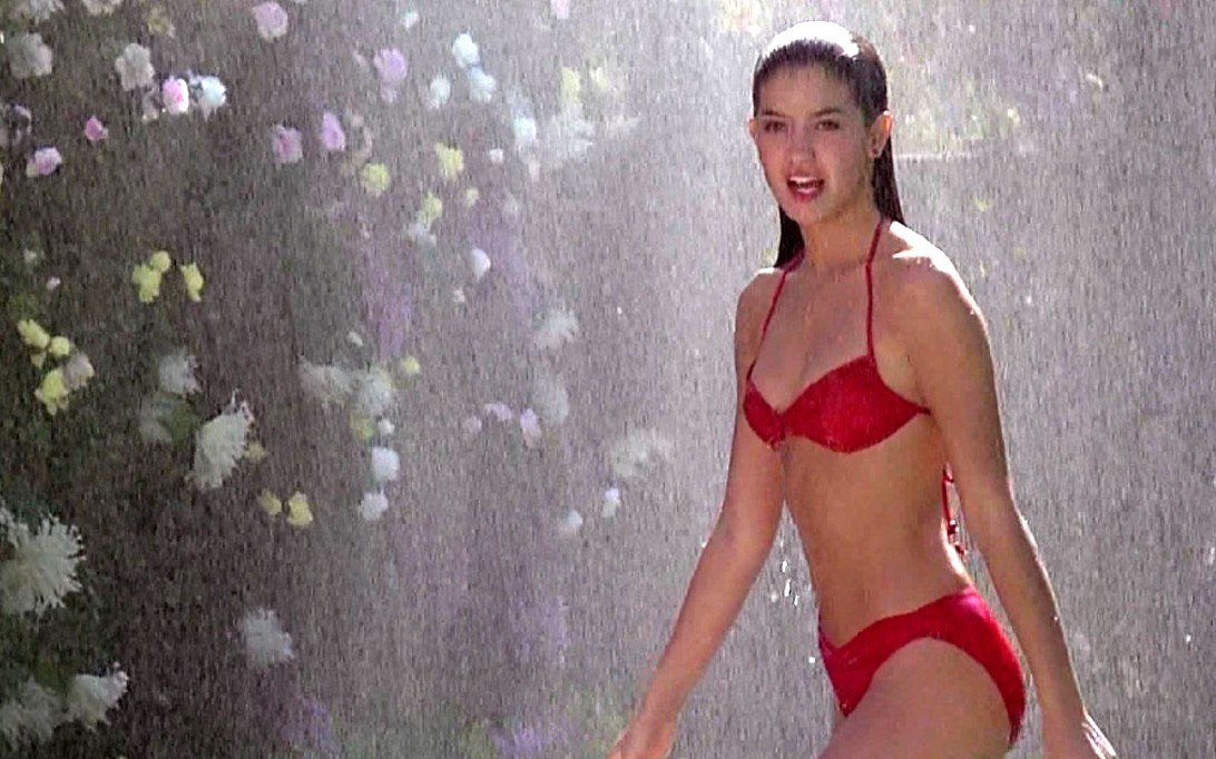 Phoebe Cates (Wallpaper 2)