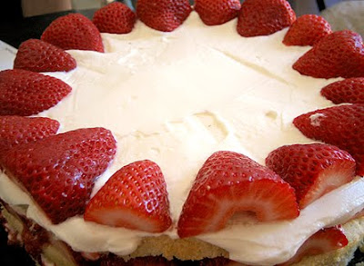 Cream Cheese Cake With Strawberry