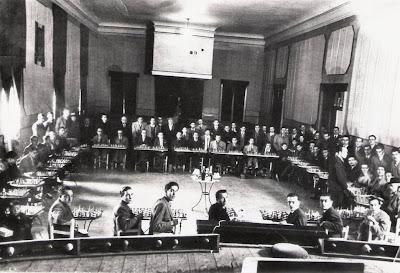 Simultáneas a 36 tableros, a cargo de Ángel Ribera en el C. C. Sant Andreu en 1942