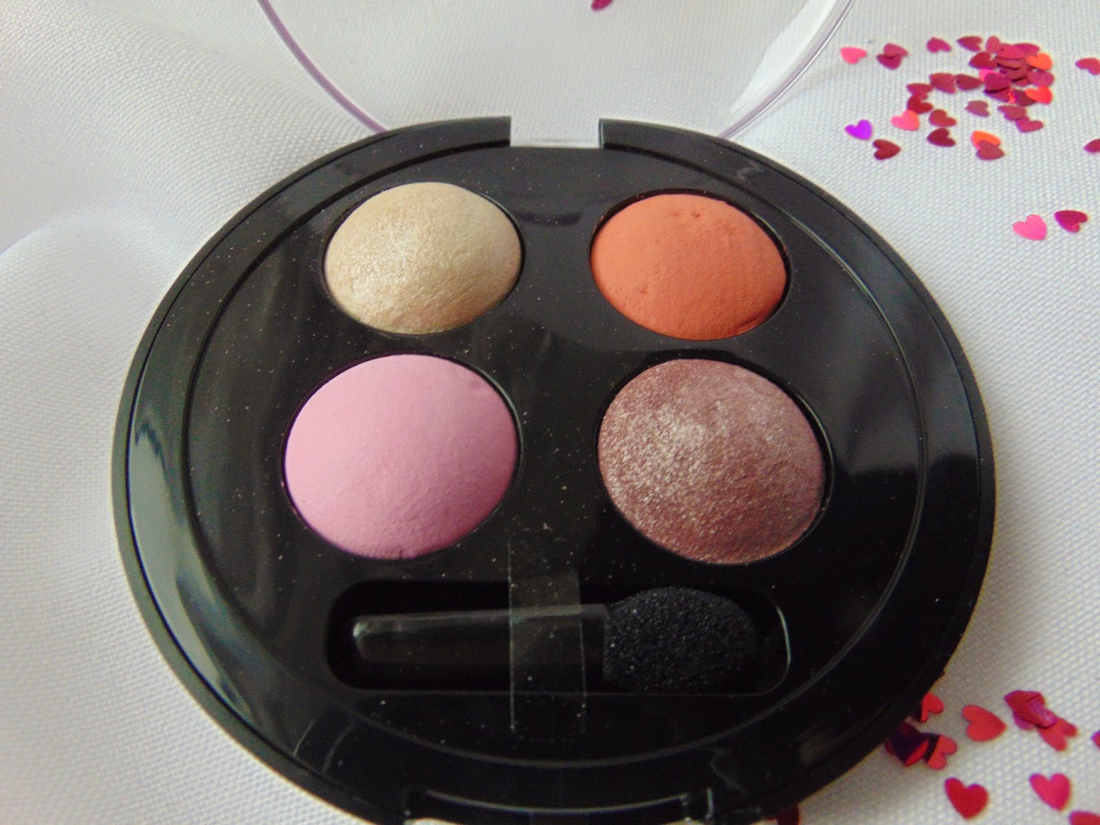 p2 Limited Edition: Just dream like - soft illusion quattro eye shadow - Wonderland - www.annitschkasblog.de