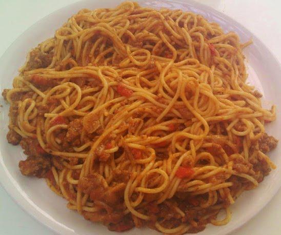 Espaguetis en Salsa Boloñesa