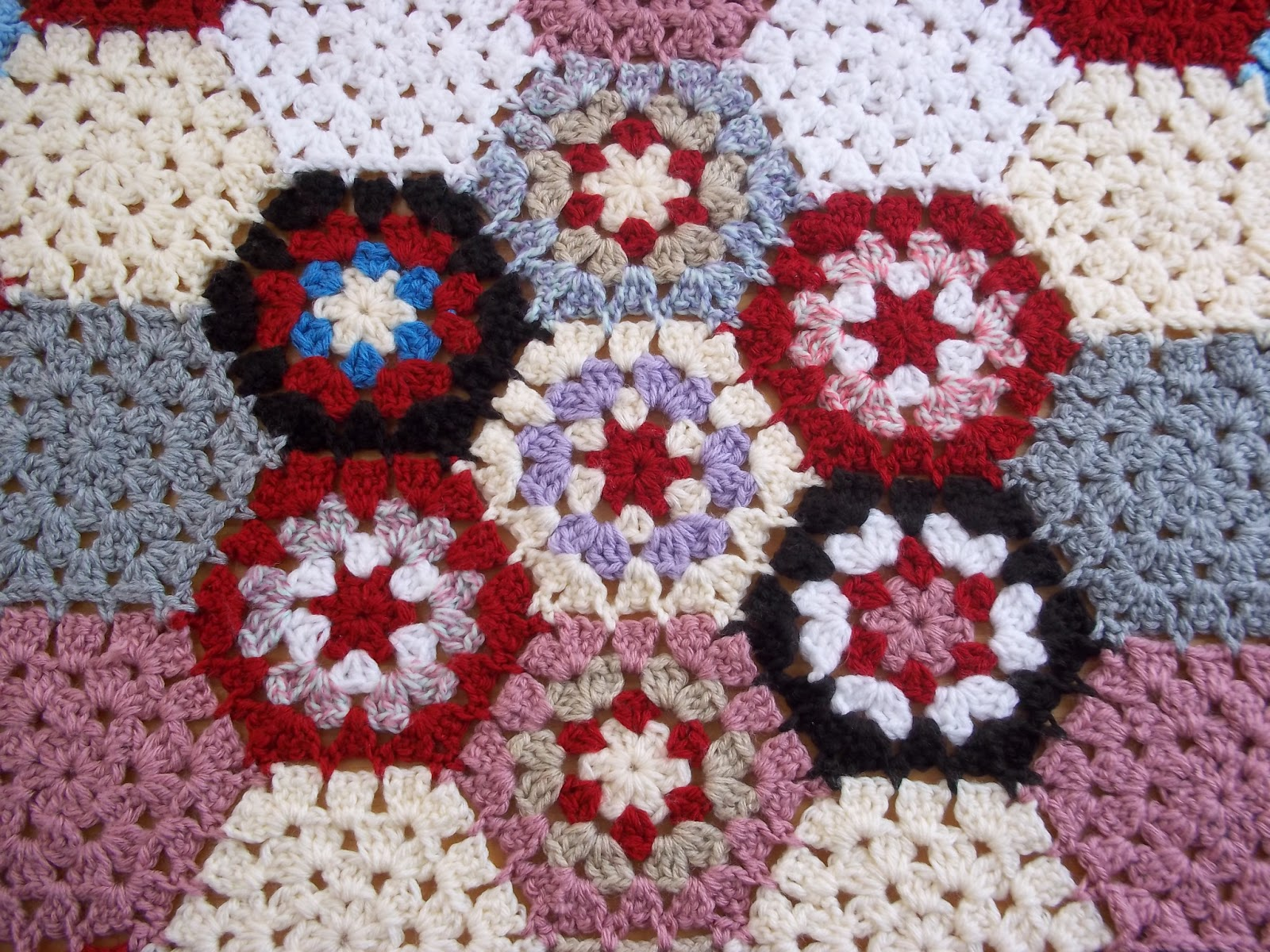 Crocheting Hexagons : Hexagon Crochet Motif #1 - Afghan