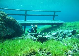 jembatan bawah air