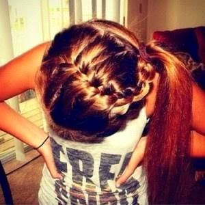 Cute hair style for girl who has long hairs
