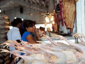Pro Consumidor dice no se justifica aumento en la carne de pollo