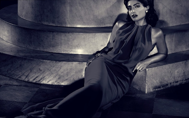 Sonam Kapoor's Hello Magzine Scans - December 2012 Photo Set