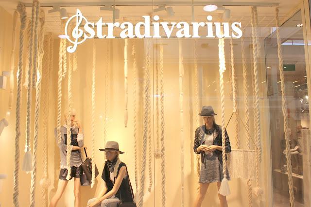 Reapertura_Stradivarius_Lanzarote_The_Pink_Graff_01