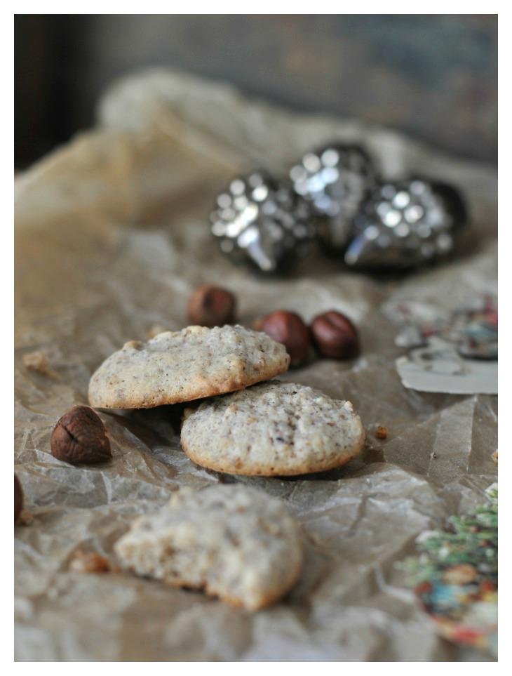 gluten free Hazelnut Macarons with tonka bean