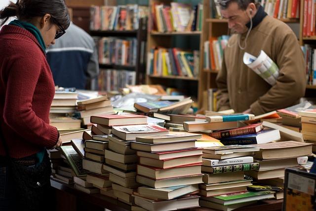 Jalan-Jalan ke Toko Buku