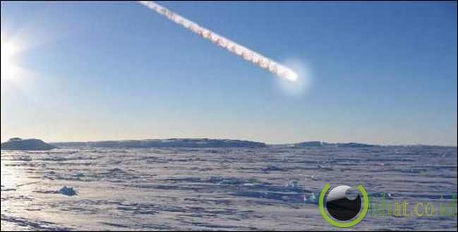 Meteor menjadi panas karena gesekan ketika memasuki atmosfer