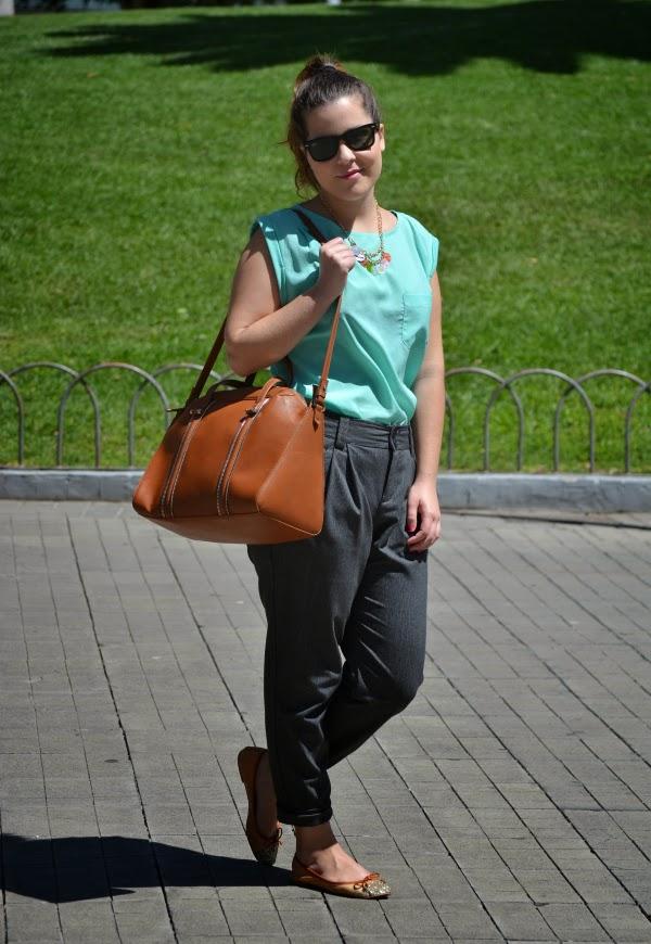 look_primavera_camiseta_verde_agua_bailarinas_purpurina_nudelolablog_01